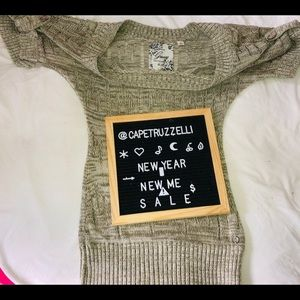 Ladies crochet knit olive top